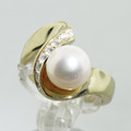 Classic Estate Ladies 18K Yellow Gold Pearl Diamond Heirloom Ring