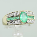 Spectacular Ladies Estate 14K Yellow Gold Emerald Diamond Ring