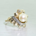 Dazzling Ladies Vintage Estate 14K Yellow Gold Pearl Diamond Flower