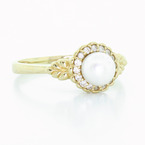 Dazzling Ladies Vintage Estate 14K Yellow Gold Pearl Diamond Ring