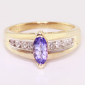 Dazzling Ladies Vintage 14K Yellow Gold Synthetic Tanzanite Diamond Ring Jewelry