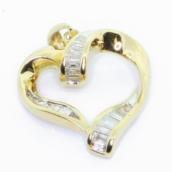 Ladies Vintage Classic Estate 14K Yellow Gold Diamond Heart-Shaped Pendant