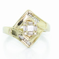 Dazzling Ladies Vintage Estate 14K Yellow Gold Diamond Engagement Ring
