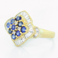Elegant Vintage Ladies 18K Yellow Gold Round Diamond Sapphire Ring