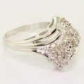 Glamorous Ladies Vintage Estate 14K Yellow Gold Diamond Cluster Ring