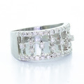Gorgeous Ladies Diamond 14K White Gold Round Diamond Fashion Right Hand Ring