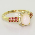 Dazzling Ladies Vintage 10K Yellow Gold Pink Quartz Sapphire Gemstone Ring