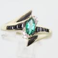 Stunning Ladies Vintage 14K Yellow Gold Emerald Diamond Estate Ring