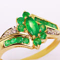 Dazzling Ladies Vintage 10K Yellow Gold Marquise Emerald Diamond Cocktail Ring