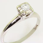 Dazzling Ladies Vintage 14K White Gold Round Diamond Solitaire Engagement Ring