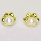 Dazzling Ladies 14K Yellow Gold White Lustrous Pearl Floral Stud Earrings