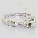 Magnificent Ladies 14K White Gold Round Diamond Engagement Ring