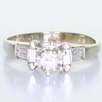 Vintage Womens 14K White Gold Diamond Solitaire Side Accent Engagement Ring