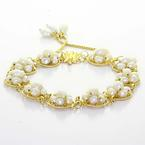 Beautiful Ladies Vintage 18K Yellow Gold White Lustrous Pearl Cluster Bracelet
