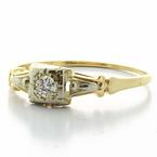 Stunning Ladies Vintage 14K Yellow Gold Round Diamond Engagement Ring Solitaire