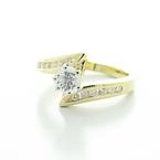 Spectacular Ladies Vintage 14K Yellow Gold Diamond Engagement Ring