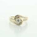 Dazzling Vintage Ladies 14K Yellow Gold Round Diamond Engagement Ring