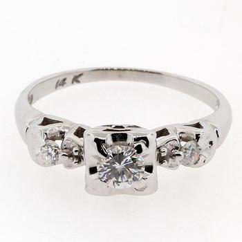 Ladies Vintage 14K White Gold Diamond 0.35CTW Engagement Ring Jewelry