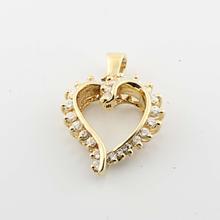 Stunning Vintage Ladies 14K Yellow Gold Round Diamond Heart Shaped Pendant