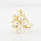 Beautiful Vintage Ladies 14K Yellow Gold Pearl Cluster Diamond Right Hand Ring