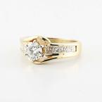 Stunning Vintage Ladies 14K Yellow Gold Round Princess Diamond Engagement Ring