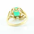 Beautiful Vintage Ladies 14K Yellow Gold Emerald Diamond Cocktail Ring