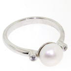 Classic Fine Ladies 14k White Gold Freshwater Pearl Right Hand Statement Ring