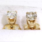 Gorgeous Yellow Gold 14K Diamond Stud Earrings