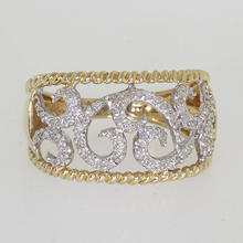Charming Ladies 14K Yellow Gold Diamond Ring Hand Ring Band Jewelry