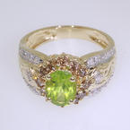 Charming Ladies 14k Yellow Gold Peridot and Diamond Cocktail Ring Jewelry