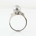 Beautiful 14K White Gold Tahitian Pearl Round Diamond Ring