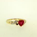 Lovely Ladies 10K Yellow Gold Heart Ruby and Topaz Right Hand Ring Jewelry
