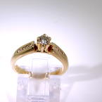 Exquisite Ladies Vintage 14K Yellow Gold Diamond 0.30CTW Engagement Ring Jewelry
