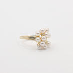 Charming Ladies 14k Yellow Gold Pearl and Diamond Right Hand Ring Jewelry