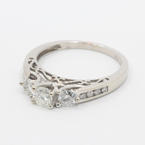 Exquisite Ladies VIntage 10K White Gold Three Stone  Diamond 0.65CTW Engagement Ring Jewelry