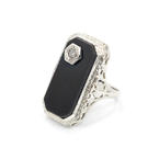 Exquisite Ladies Vintage 14K White Gold Diamond and Onyx Ring Jewelry