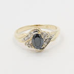 Modern Estate Ladies 10K Yellow Gold Onyx Diamond 0.60CTW Right Hand Ring
