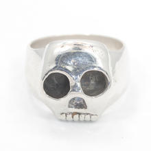 Modern Estate 925 Sterling Silver Skull Design Ring Size 7.25