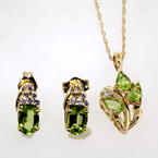Modern Ladies 14K Yellow Gold Diamond and Peridot 2 Piece Earrings Necklace Set