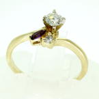 Charming Ladies Vintage 14K Yellow Gold Diamond Amethyst Right Hand Ring Jewelry