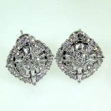 Exquisite Ladies 18K White Gold Diamond 1.55CTW Earrings Jewelry