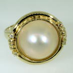 Lustrous Ladies Vintage 14K Yellow Gold Mabe Cultured Pearl Ring Jewelry