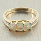 Charming Ladies Vintage 14K Yellow Gold Diamond and Opal Right Hand Ring Jewelry