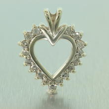 Lovely Ladies 10K White Gold Diamond 0.50CTW Heart Pendant Jewelry
