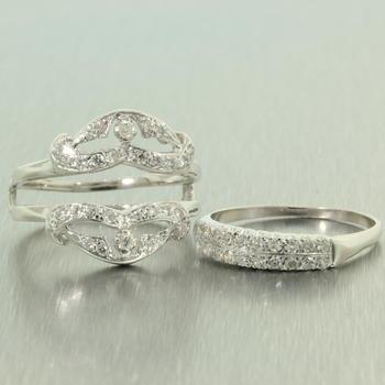 Exquisite Ladies Vintage 14K White Gold Diamond 1.00CTW Anniversary Ring Jewelry