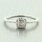 Fine Vintage Estate 10K White Gold Diamond 0.30CTW Halo Engagement Ring