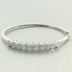 Exquisite Ladies 14K White Gold Diamond 2.00CTW Flower Bangle Jewelry
