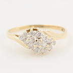 Fine Vintage Estate Ladies 10K Yellow Gold  Natural Diamond Right Hand Ring