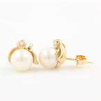 Vintage Estate 14K Yellow Gold Diamond Pearl Stud Earrings