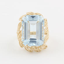 Vintage Estate Ladies 10K Yellow Gold Blue Gemstone Cocktail Right Hand Ring